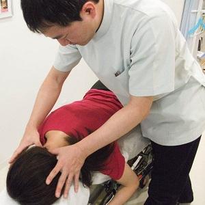頸椎ヘルニアの矯正